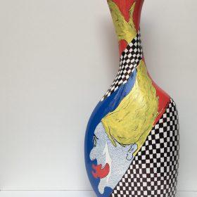Senza titolo. Acrilico su vaso di ceramica. 2017. (lato a)